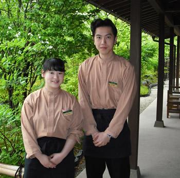 湯の川温泉、草菴 内田洋平さん、奈緒子さん若夫婦