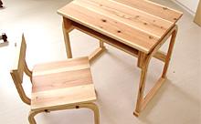 小学生用の机と椅子の試作品