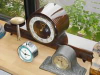 渡部さんの手で蘇った置き時計の数々